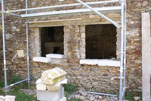 Restauration de patrimoine en Charente - taille de pierres